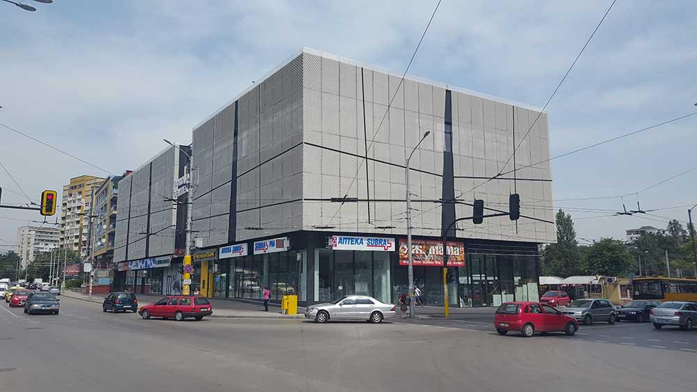 Търговски и административен център в кв. Борово, гр. София 3